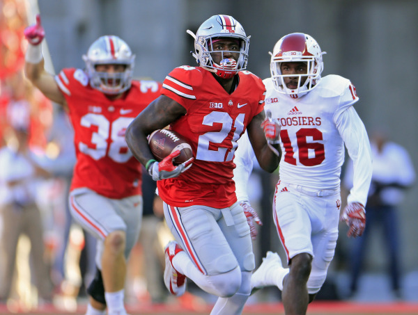 Ohio State Buckeyes wide receiver Parris Campbell (21) returns a kickoff up field against Indiana Hoosiers defensive back Rashard Fant (16) during the 1st half of their game in Ohio Stadium in Columbus, Ohio on October 8, 2016. (Kyle Robertson/ The Columbus Dispatch)